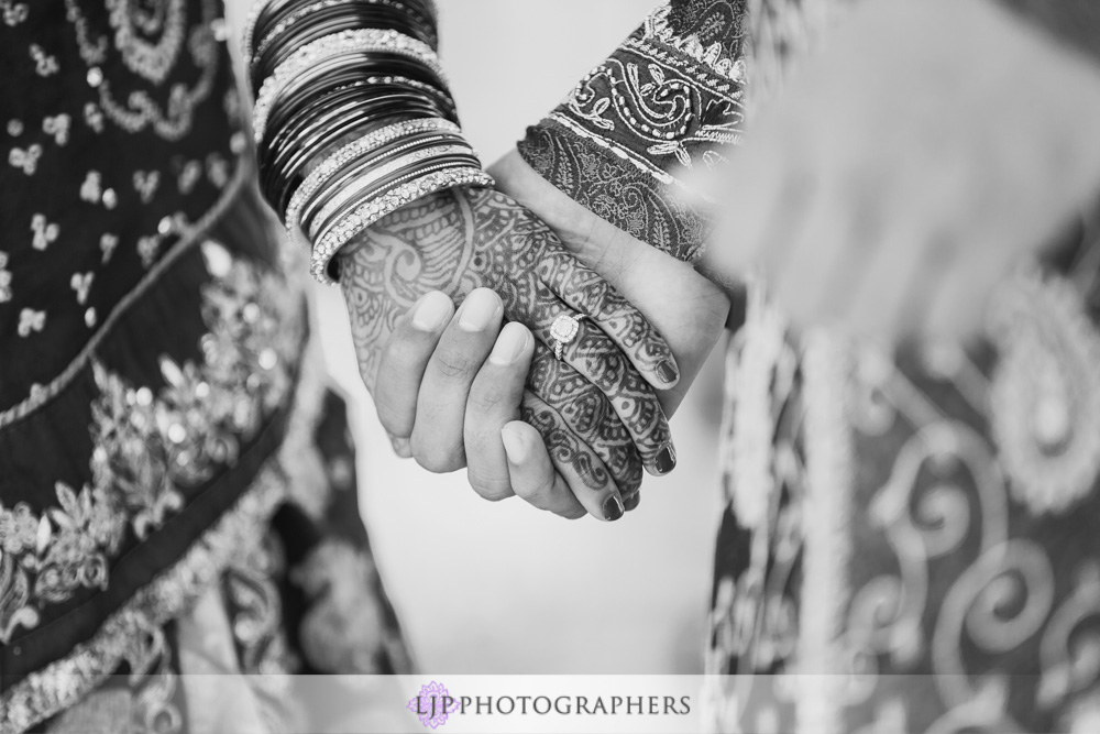 15-newport-beach-marriott-hotel-indian-wedding-photographer-couple-session-photos