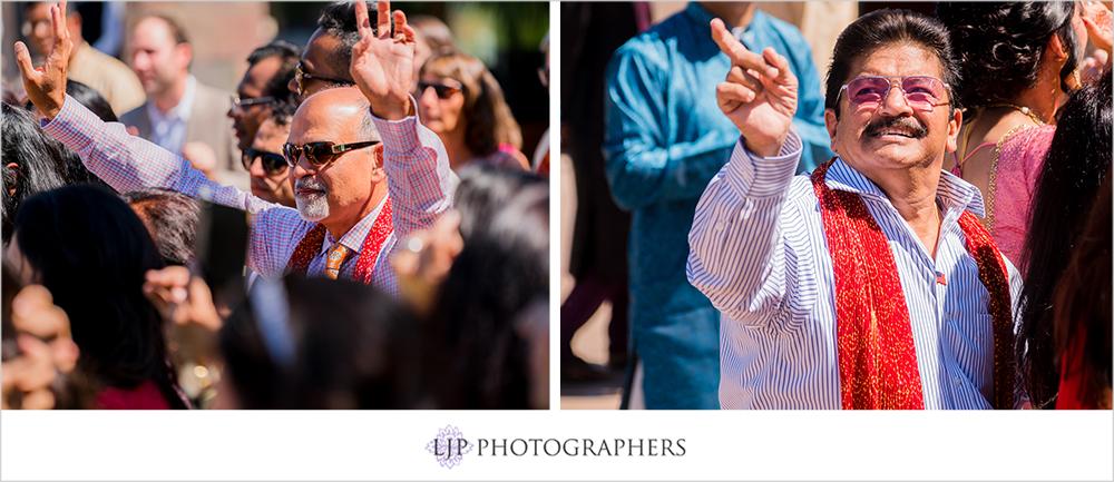 17-santiago-canyon-mansion-indian-wedding-photographer-baraat-wedding-ceremony-photos