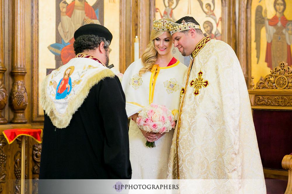 20-la-banquets-glenoaks-ballroom-wedding-photographer-wedding-ceremony-photos