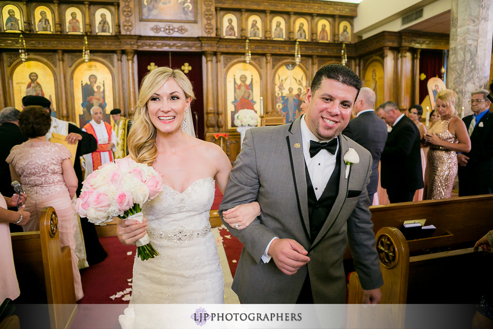22-la-banquets-glenoaks-ballroom-wedding-photographer-wedding-ceremony-photos