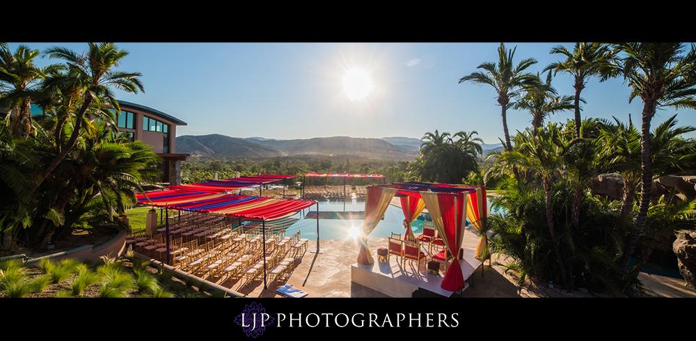 22-santiago-canyon-mansion-indian-wedding-photographer-baraat-wedding-ceremony-photos