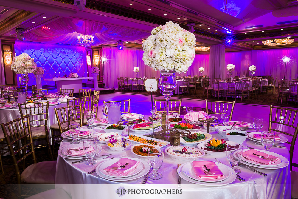 24-la-banquets-glenoaks-ballroom-wedding-photographer-wedding-reception-photos