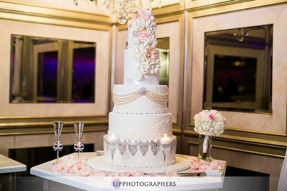25-la-banquets-glenoaks-ballroom-wedding-photographer-wedding-reception-photos