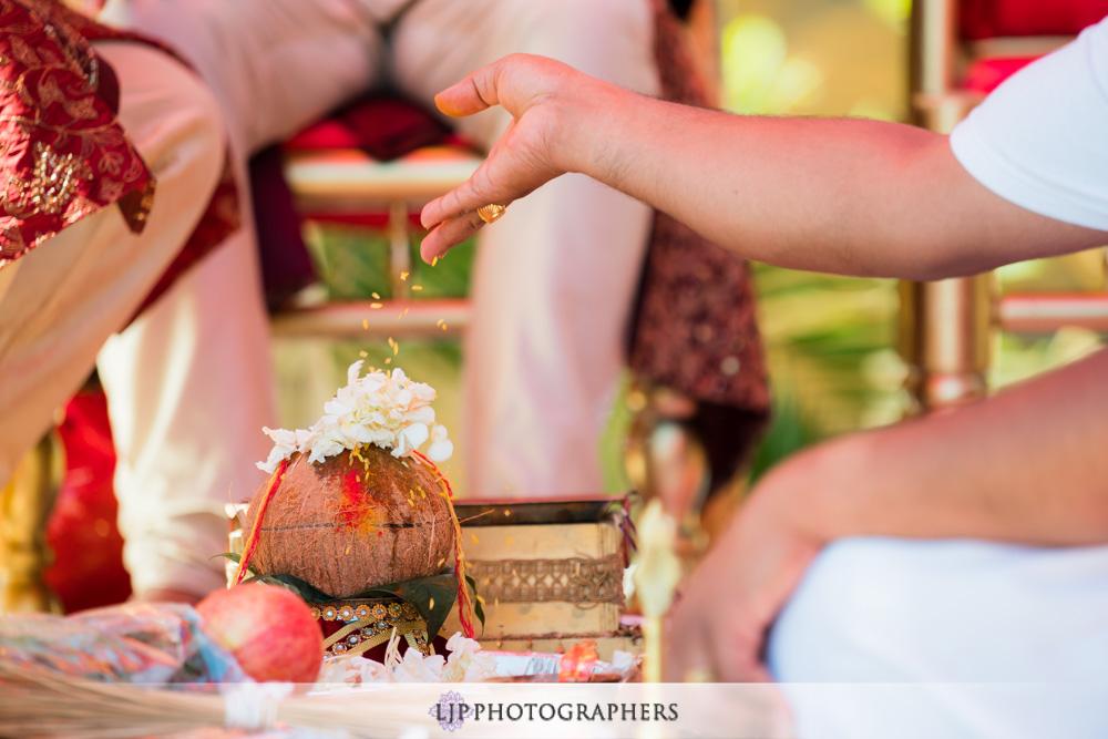 28-santiago-canyon-mansion-indian-wedding-photographer-baraat-wedding-ceremony-photos