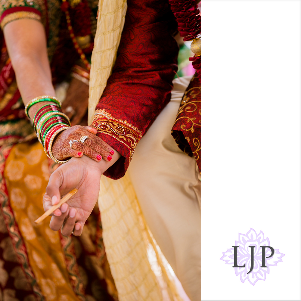 30-newport-beach-marriott-hotel-indian-wedding-photographer-baraat-wedding-cemony-photos
