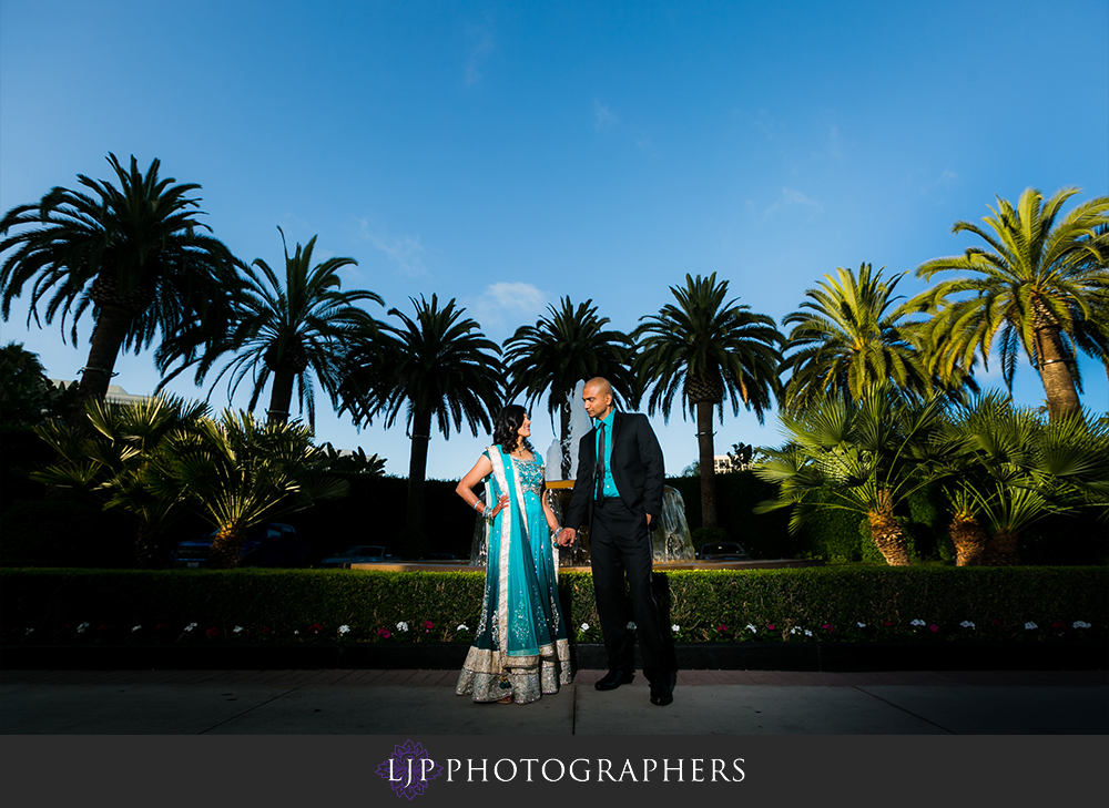 37-newport-beach-marriott-hotel-indian-wedding-photographer-wedding-reception-photos