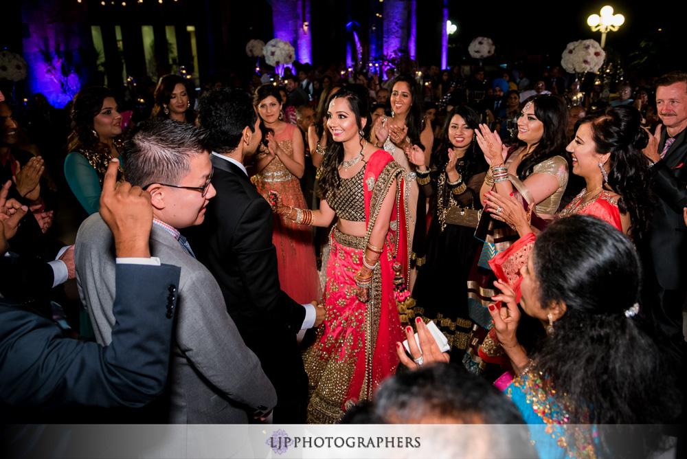39-santiago-canyon-mansion-indian-wedding-photographer-baraat-wedding-reception-photos