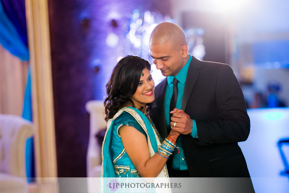 45-newport-beach-marriott-hotel-indian-wedding-photographer-wedding-reception-photos