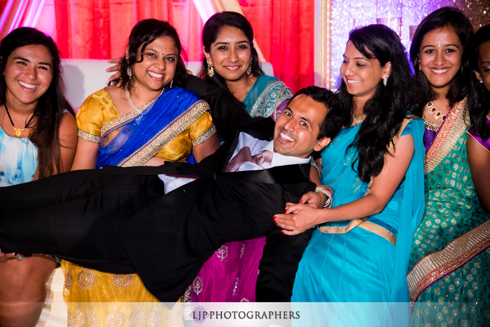 45-santiago-canyon-mansion-indian-wedding-photographer-baraat-wedding-reception-photos