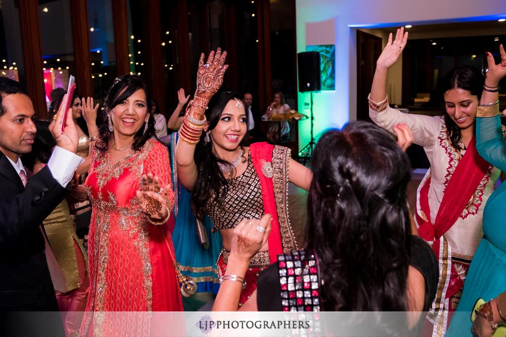 46-santiago-canyon-mansion-indian-wedding-photographer-baraat-wedding-reception-photos