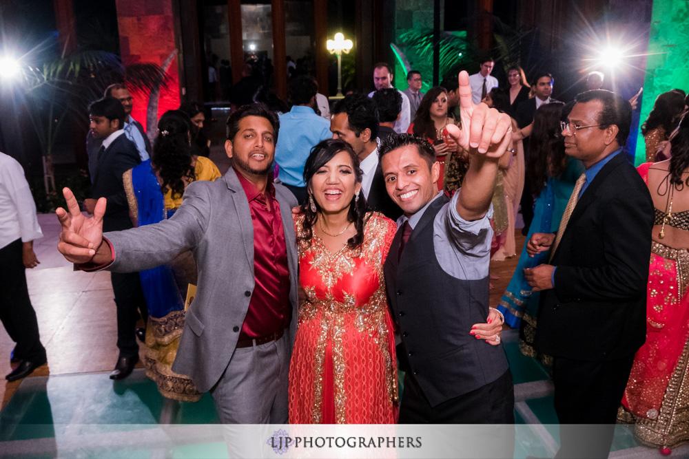 48-santiago-canyon-mansion-indian-wedding-photographer-baraat-wedding-reception-photos