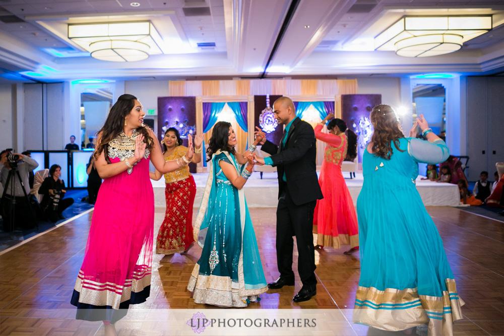 52-newport-beach-marriott-hotel-indian-wedding-photographer-wedding-reception-photos