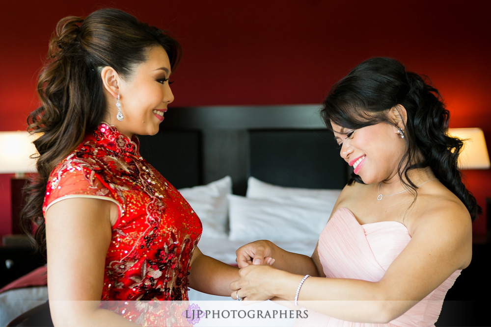 09-coyote-hills-golf-course-wedding-photographer-getting-ready-photos