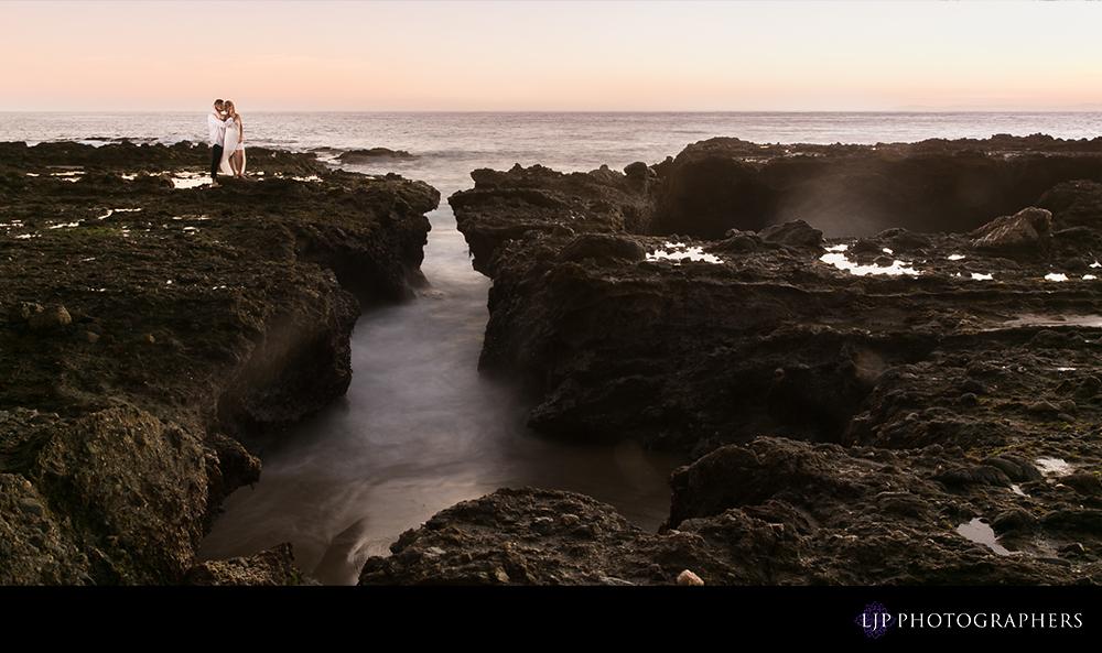 10-Laguna-Beach-Engagement-Photography