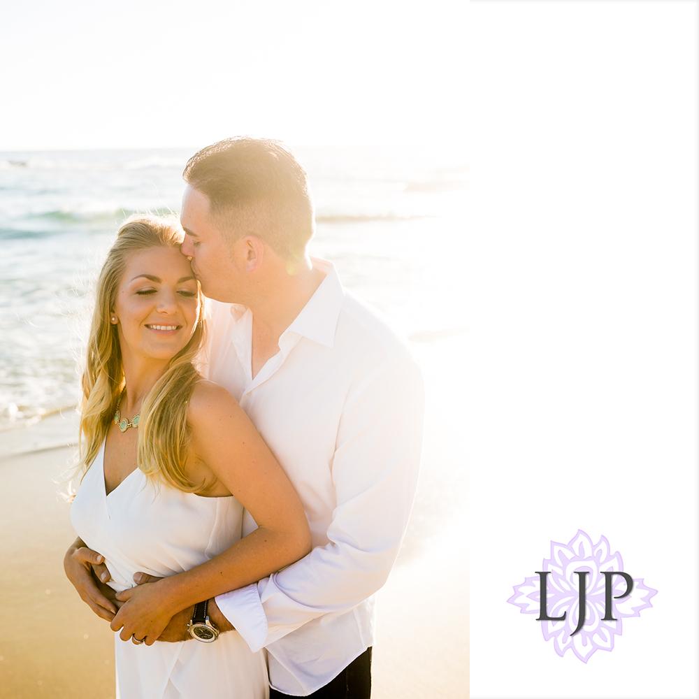 15-Laguna-Beach-Engagement-Photography
