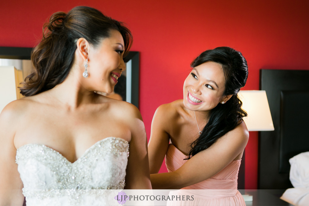 15-coyote-hills-golf-course-wedding-photographer-getting-ready-photos