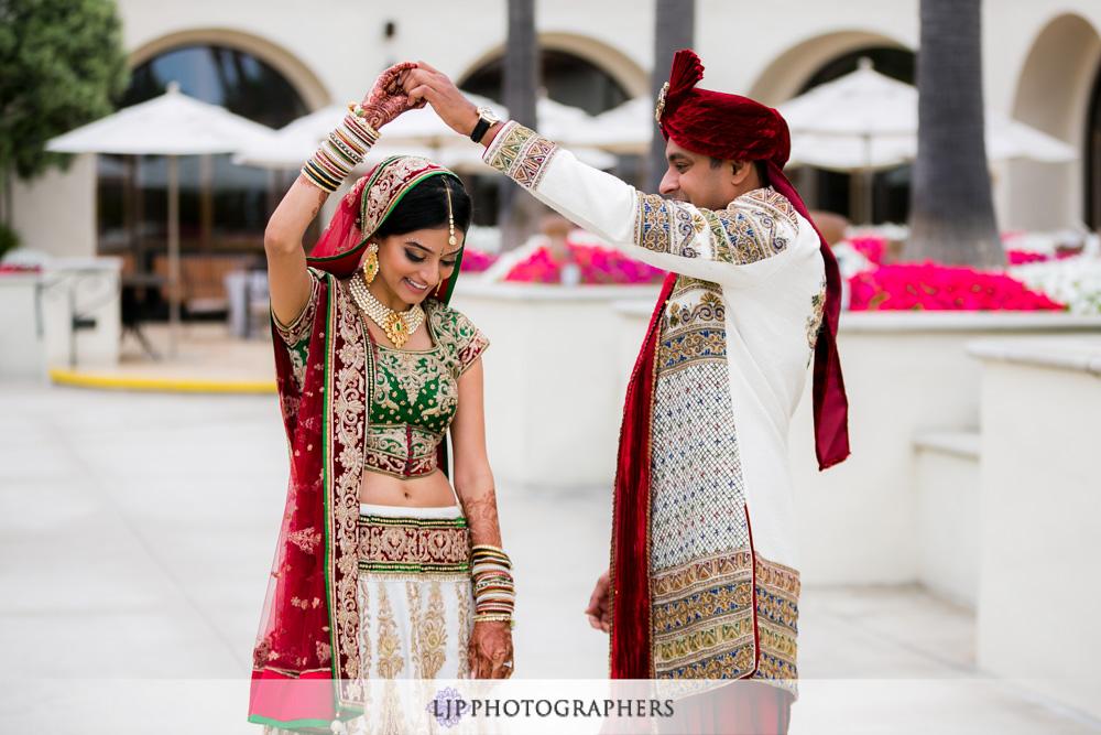 17-Hyatt-Huntington-Beach-Wedding-Photos