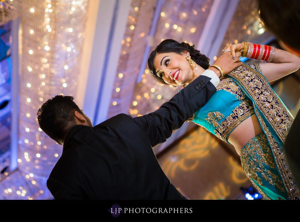 17-Hyatt-Regency-Long-Beach-Wedding-Reception-Photography