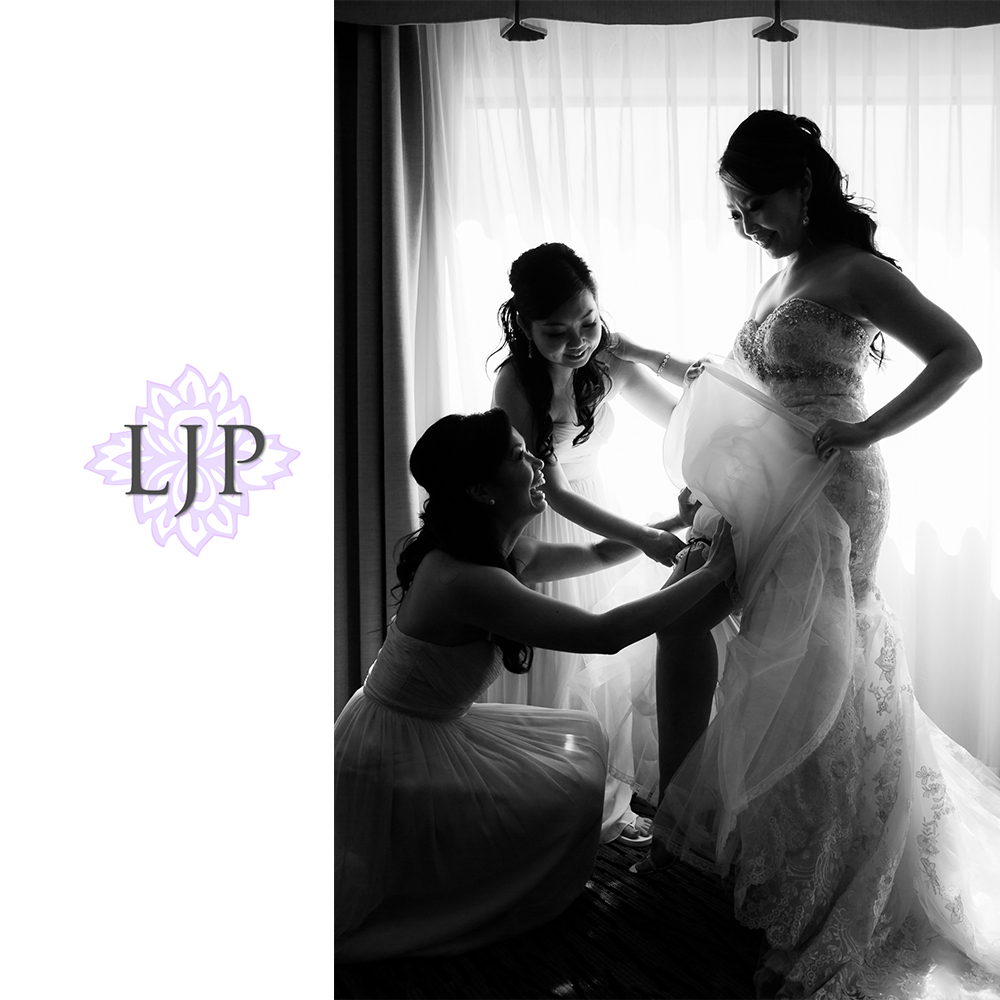 17-coyote-hills-golf-course-wedding-photographer-getting-ready-photos