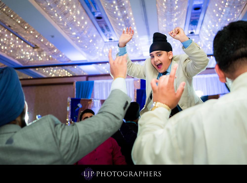 21-Hyatt-Regency-Long-Beach-Wedding-Reception-Photography