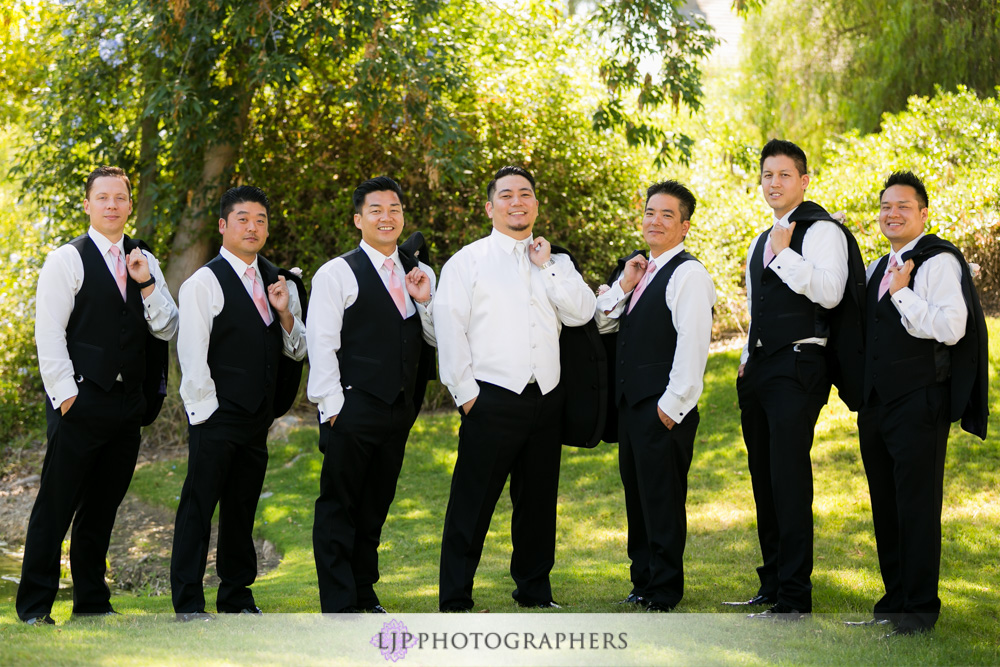 21-coyote-hills-golf-course-wedding-photographer-getting-ready-photos