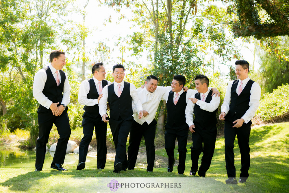 22-coyote-hills-golf-course-wedding-photographer-getting-ready-photos