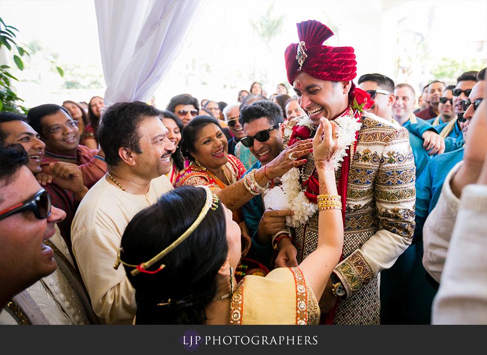 28-Hyatt-Huntington-Beach-Wedding-Photos