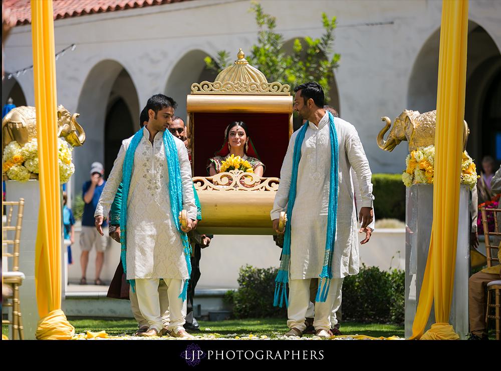 29-Hyatt-Huntington-Beach-Wedding-Photos