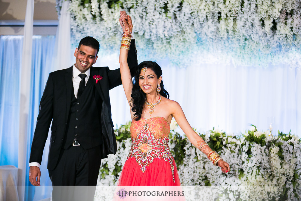 34-los-verdes-golf-course-indian-wedding-photographer-wedding-reception-photos