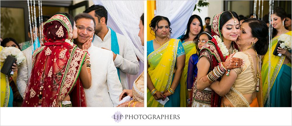 35-Hyatt-Huntington-Beach-Wedding-Photos