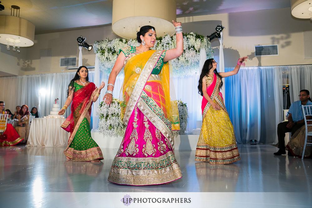 37-los-verdes-golf-course-indian-wedding-photographer-wedding-reception-photos