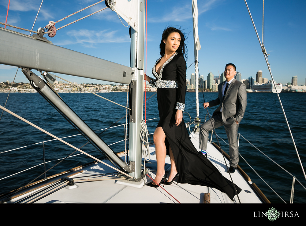 06-downtown-san-diego-engagement-photography
