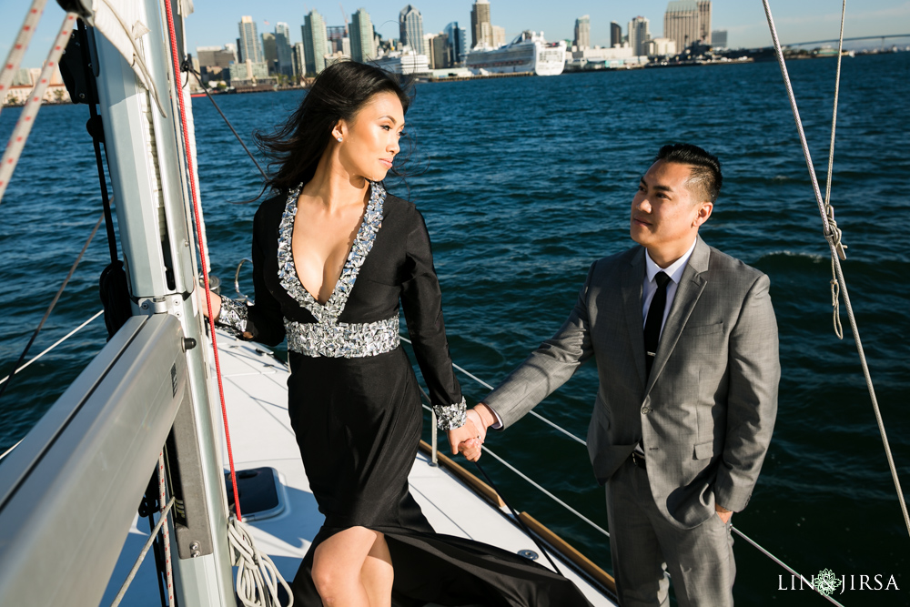 07-downtown-san-diego-engagement-photography