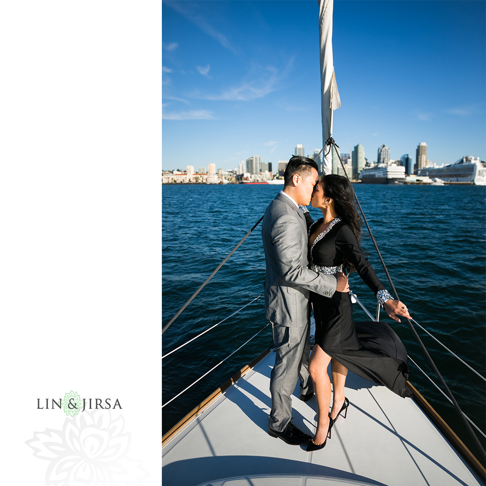 09-downtown-san-diego-engagement-photography