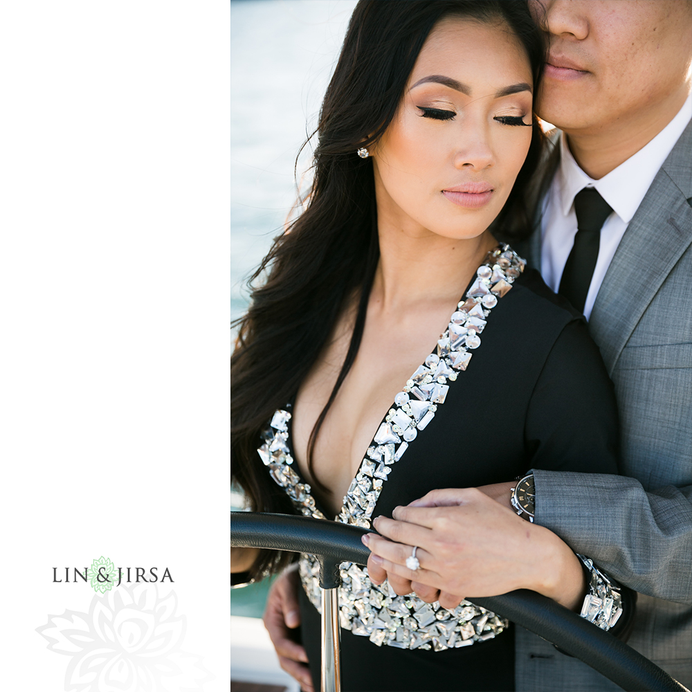 14-downtown-san-diego-engagement-photography