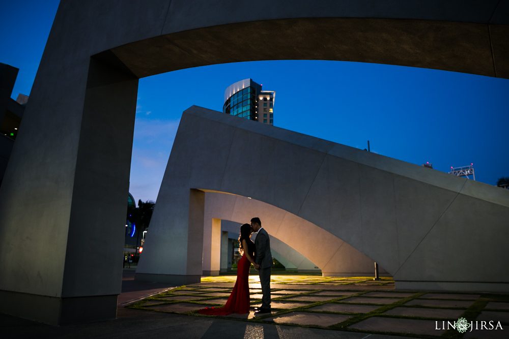 18-downtown-san-diego-engagement-photography