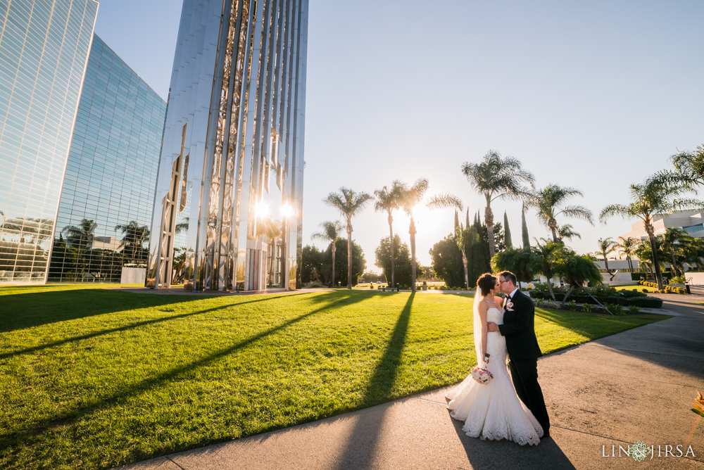 25-crystal-cathedral-wedding-photographer