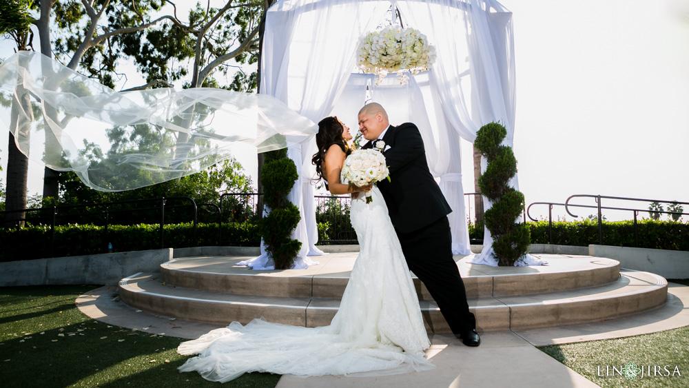 28-newport-beach-marriott-bayview-wedding-photographer
