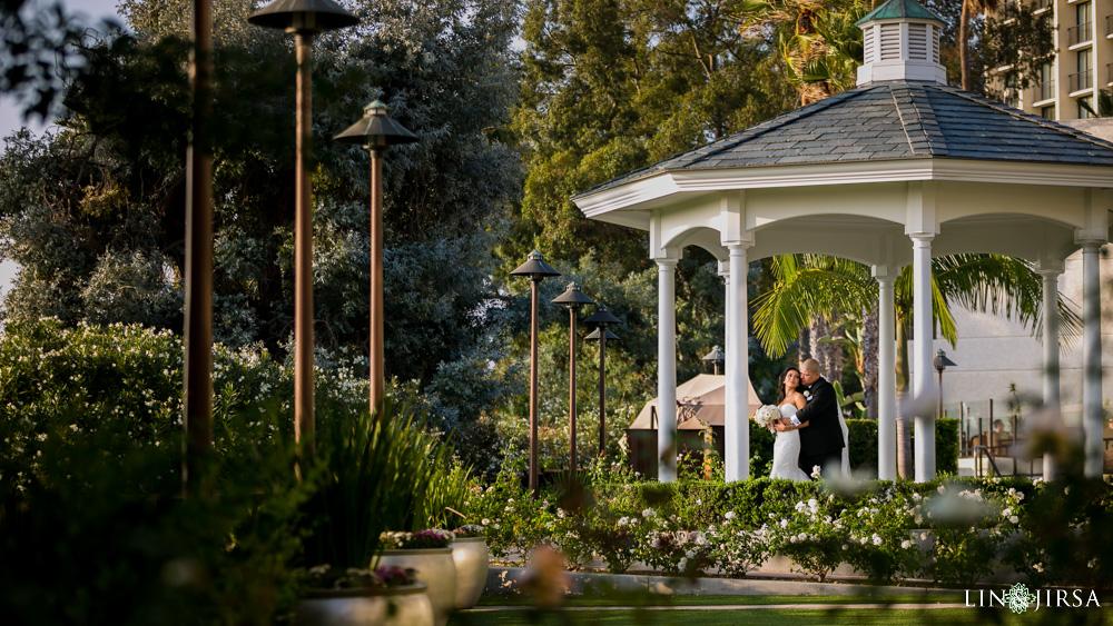 31-newport-beach-marriott-bayview-wedding-photographer