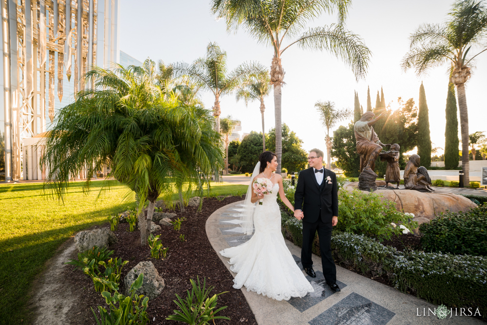 47-crystal-cathedral-wedding-photographer