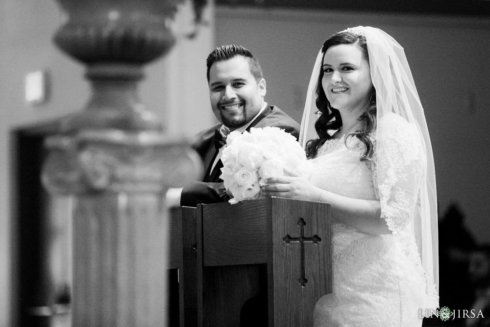 12-renaisssance-banquet-hall-glendale-wedding-photographer