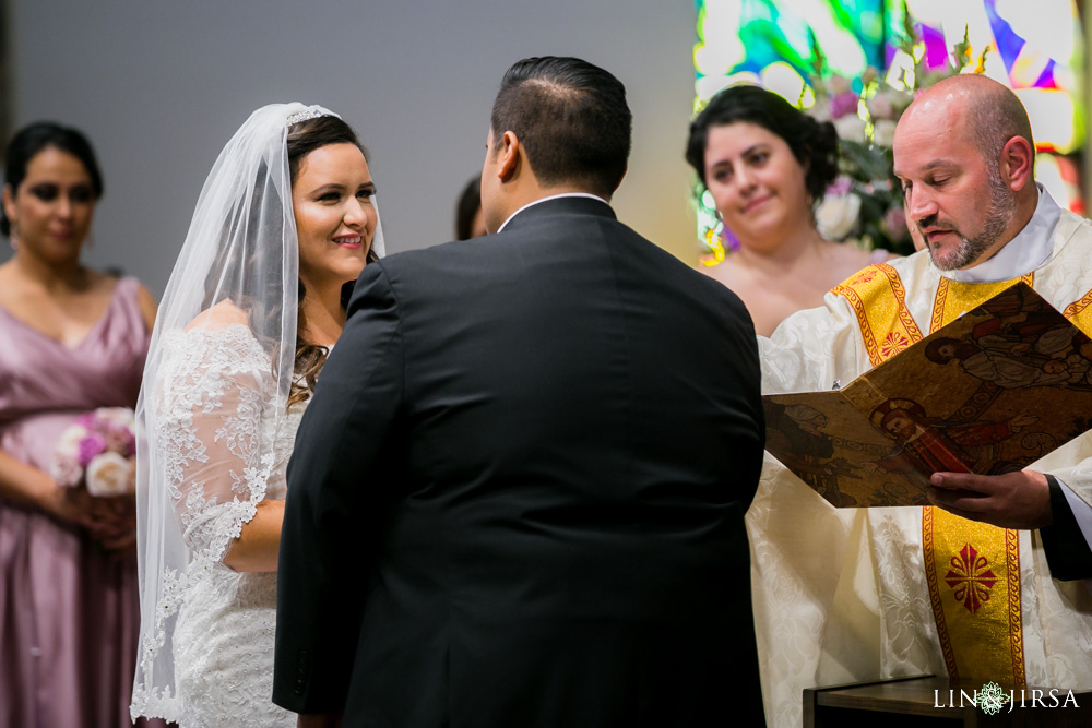 14-renaisssance-banquet-hall-glendale-wedding-photographer