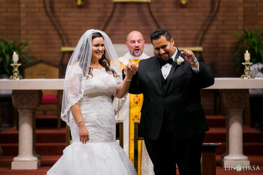 15-renaisssance-banquet-hall-glendale-wedding-photographer