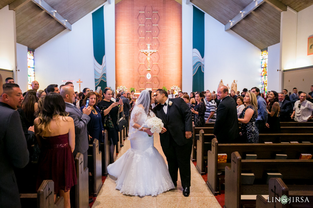 16-renaisssance-banquet-hall-glendale-wedding-photographer
