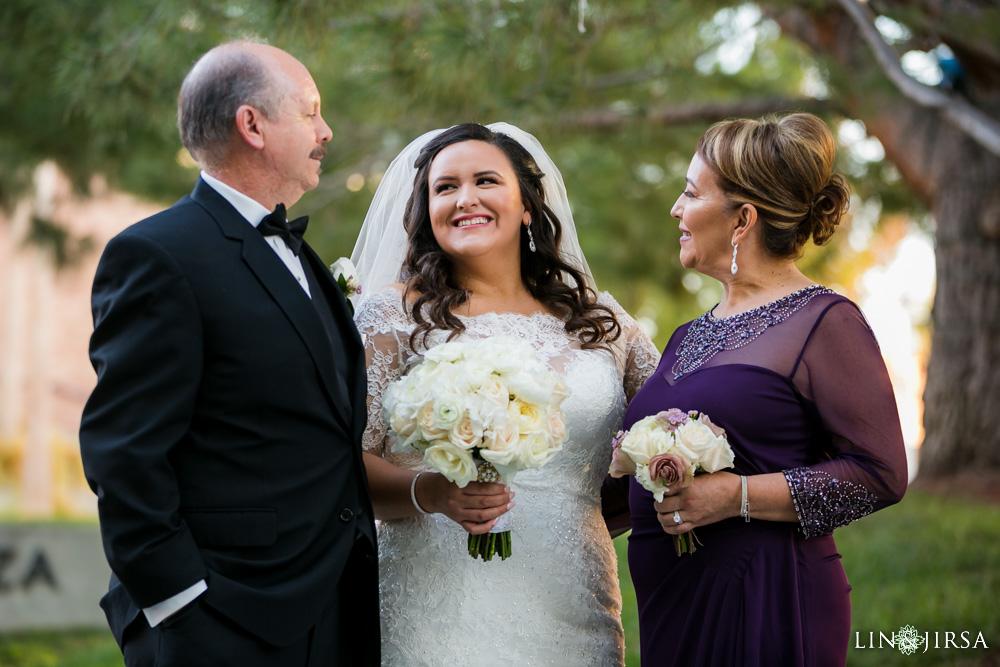 23-renaisssance-banquet-hall-glendale-wedding-photographer