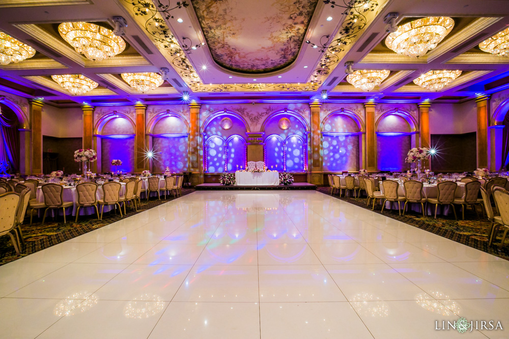 29-renaisssance-banquet-hall-glendale-wedding-photographer