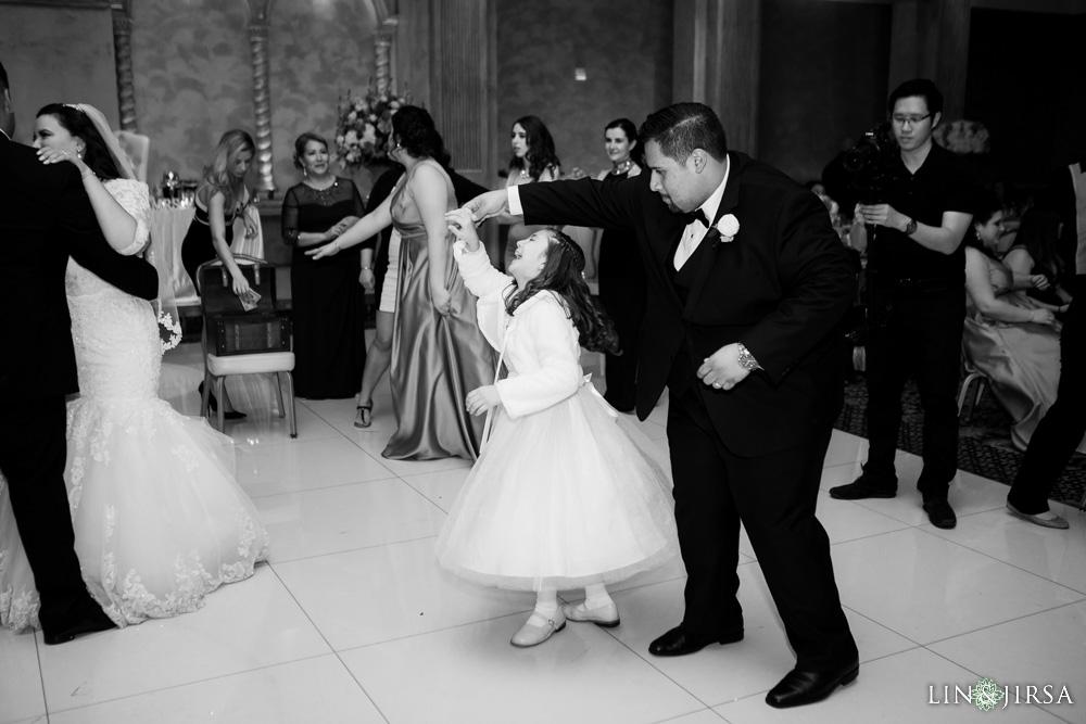 46-renaisssance-banquet-hall-glendale-wedding-photographer