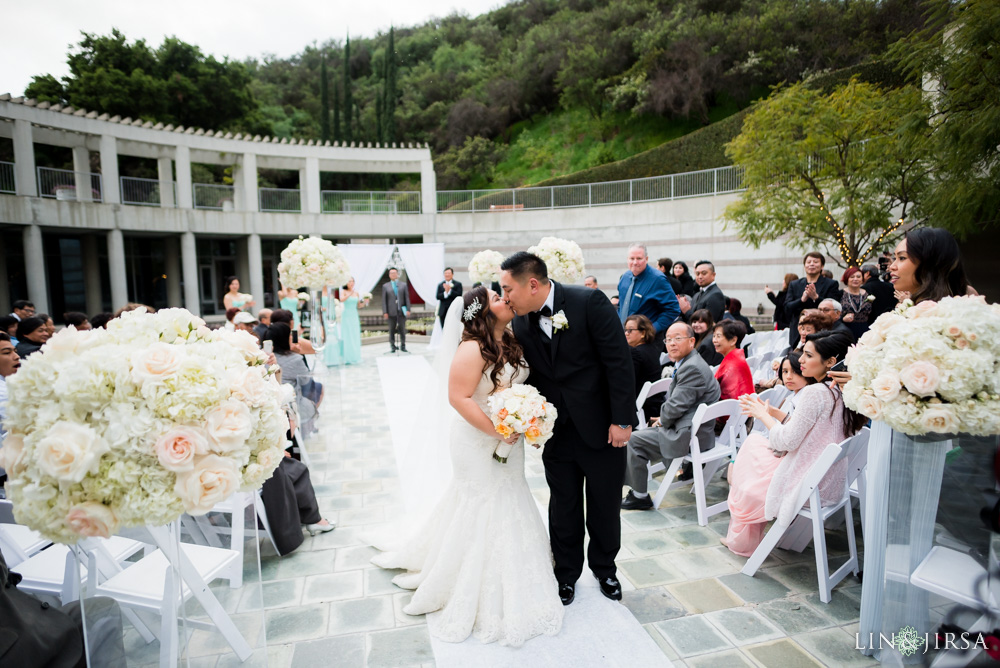 24-skirball-cultural-center-los-angeles-wedding-photographer