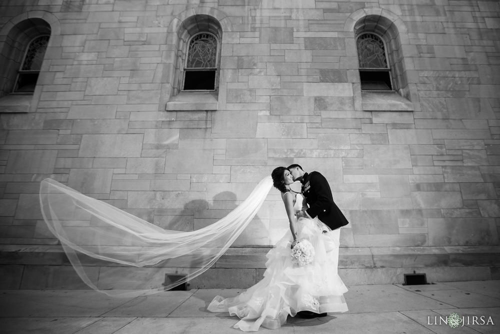 17-millennium-biltmore-hotel-los-angeles-wedding-photographer