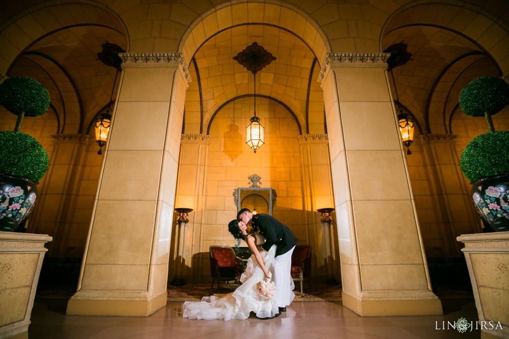 49-millennium-biltmore-hotel-los-angeles-wedding-photographer